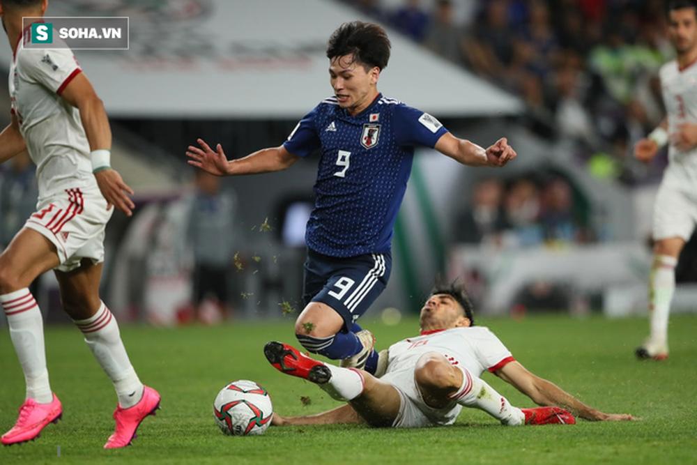 Lại có penalty nhờ VAR, Nhật Bản đè bẹp Iran tại bán kết Asian Cup - Ảnh 2.