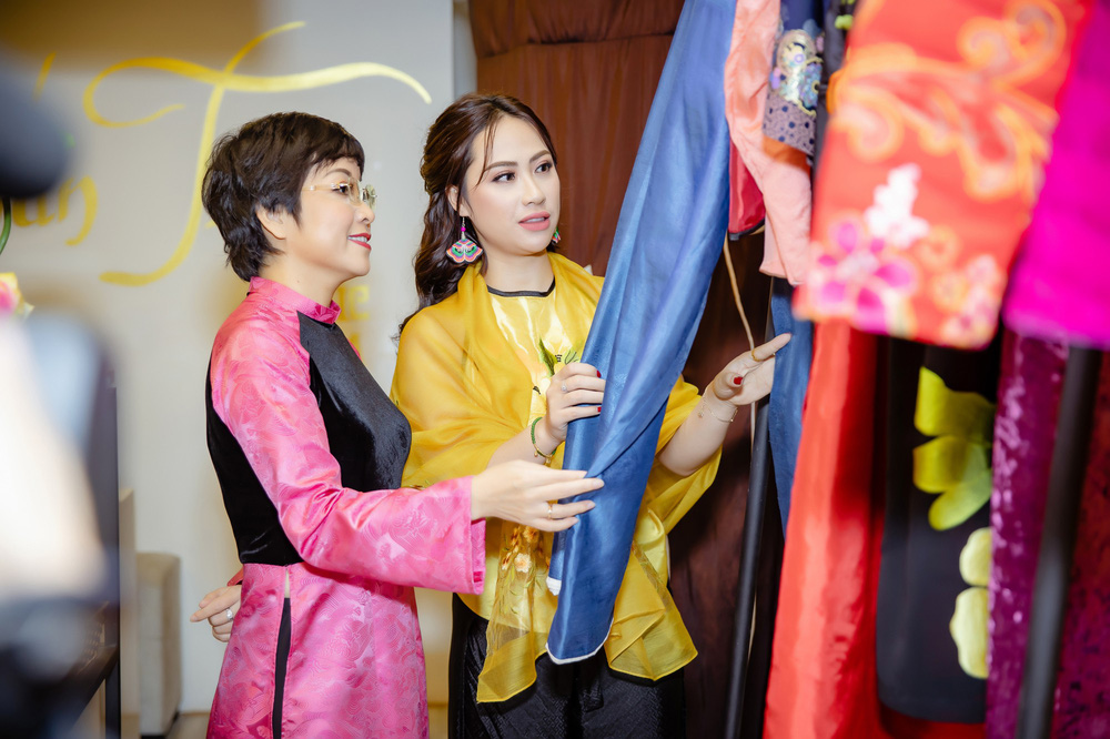 Quốc Khánh chăm chút cho cô Đẩu Công Lý  - Ảnh 2.
