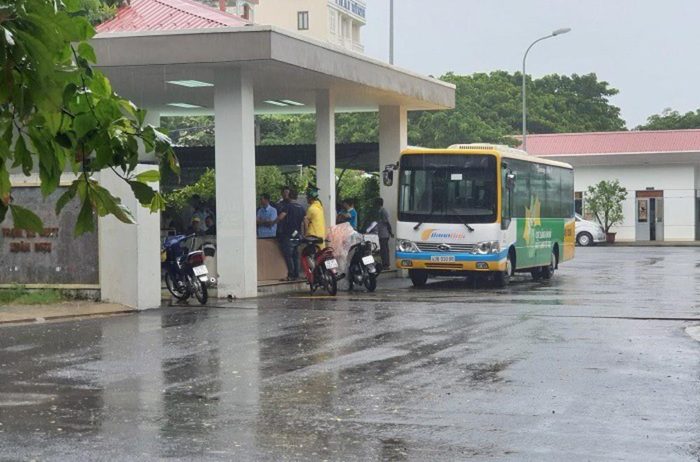 Tài xế xe buýt ở Đà Nẵng tử vong sau tiếng hét lớn trong nhà vệ sinh - Ảnh 2.