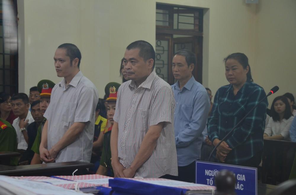 Xử gian lận thi ở Hà Giang: Nữ cán bộ CA tỉnh khai sửa điểm thi cho ân nhân để tạo phúc - Ảnh 8.