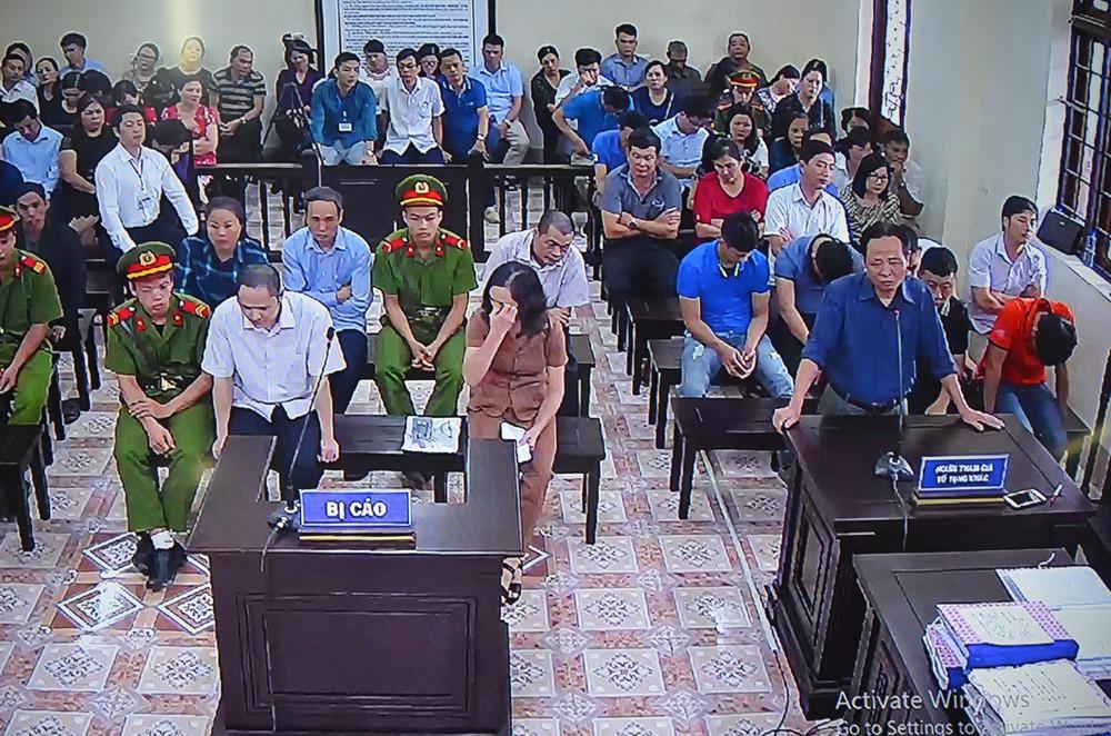 Xử gian lận thi ở Hà Giang: Cựu GĐ Sở Giáo dục nói thấy sự việc nghiêm trọng nên không ăn nổi cơm - Ảnh 4.