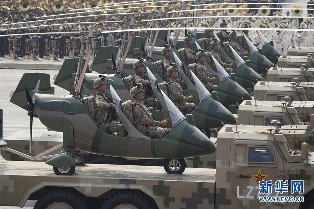 Nhìn Trung Quốc tưng bừng kỉ niệm 70 năm, nước láng giềng lớn phải dè chừng - Ảnh 1.
