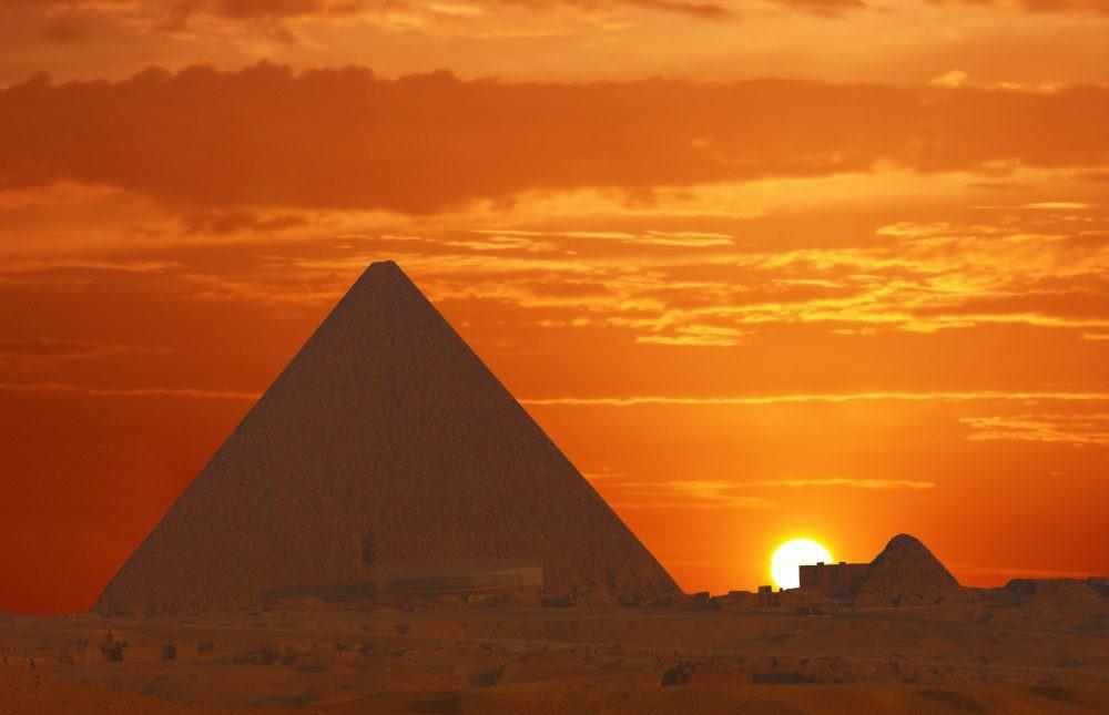 Bí mật thế giới ngầm bên dưới kim tự tháp bậc thang ở Ai Cập - Ảnh 2.
