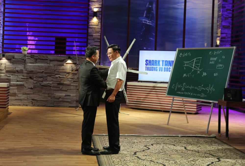 Shark Nguyễn Thanh Việt tiết lộ lý do đầu tư 6 triệu USD, tự nhận điên cùng dự án tuabin gió - Ảnh 1.