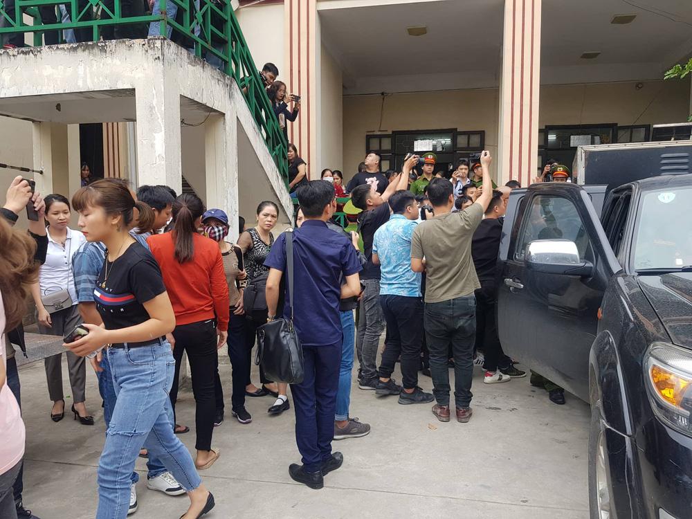 Giang hồ mạng Khá bảnh bị tuyên 10 năm 6 tháng tù giam, truy thu gần 5 tỷ đồng - Ảnh 3.