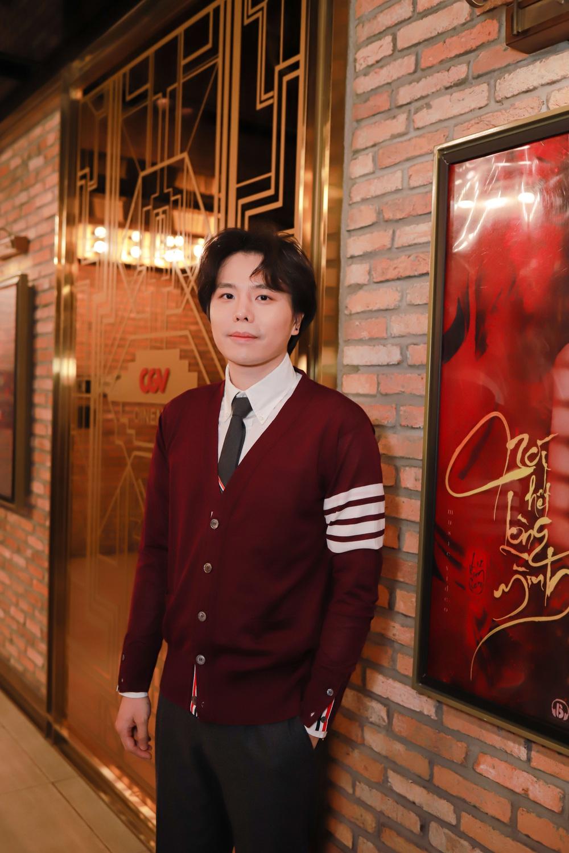 Trịnh Thăng Bình, Liz Kim Cương vui vẻ sánh đôi sau khi chia tay - Ảnh 1.