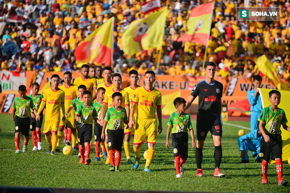 Tiết lộ: 4 CLB suýt bị loại khỏi V.League 2020, VFF chưa chốt ngày bầu PCT tài chính mới - Ảnh 1.