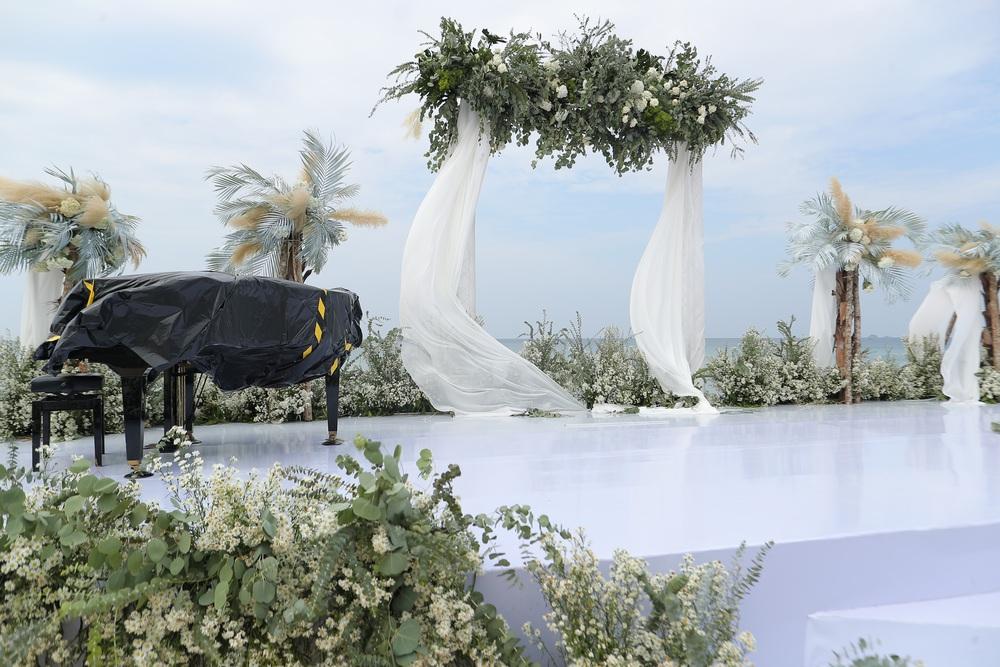Hé lộ không gian siêu đám cưới 10 tỷ của Đông Nhi và thiếu gia giàu có - Ảnh 2.
