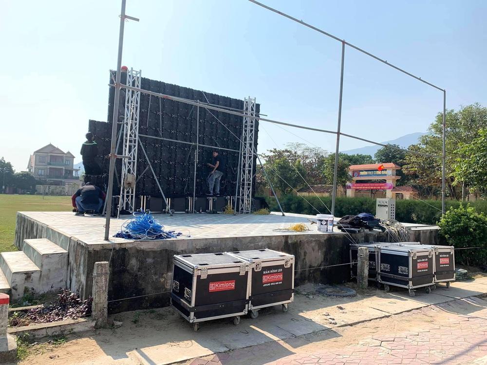 Lắp hàng loạt màn hình cỡ lớn ở Nghệ An và Hà Tĩnh để cổ vũ U22 Việt Nam - Ảnh 5.