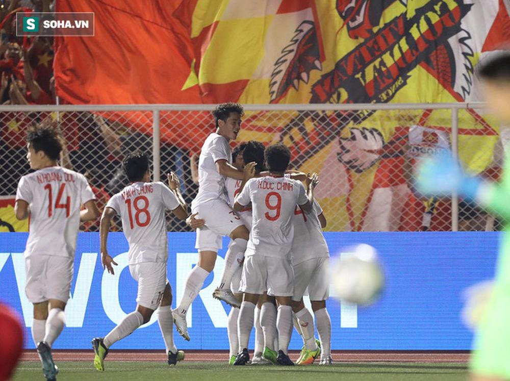 Bỏ lại đội nhà, CĐV Indonesia lũ lượt về ngay khi nhận bàn thua quyết định trước Việt Nam - Ảnh 1.