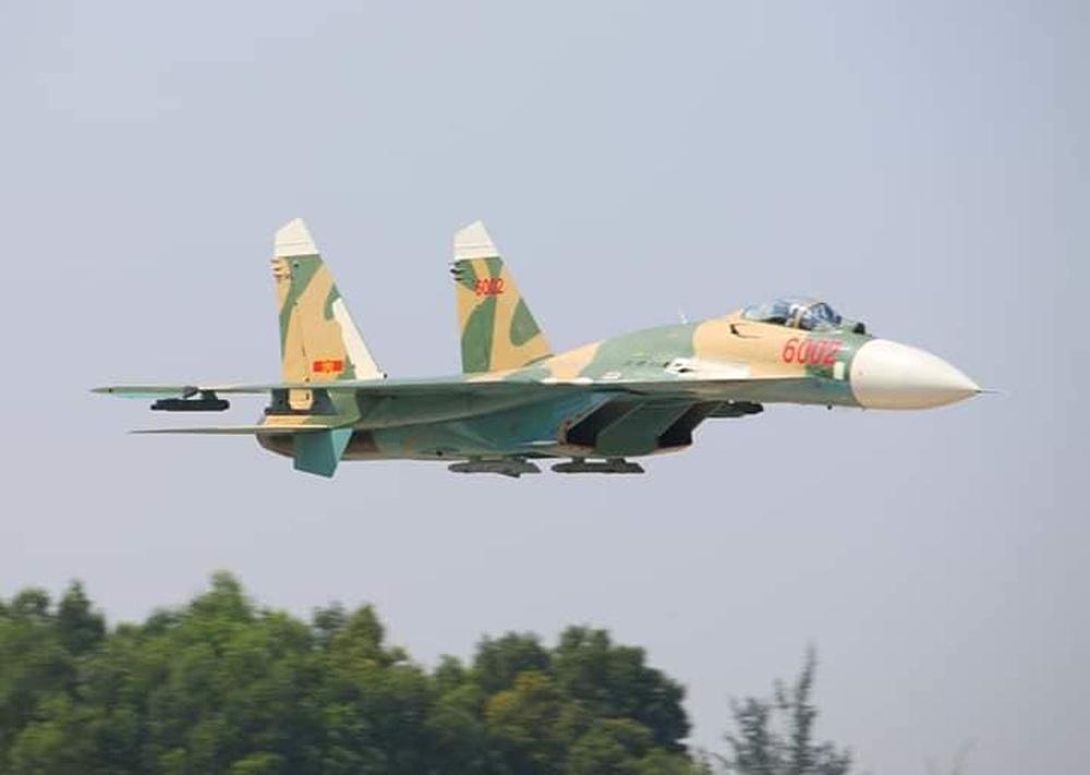 Tiêm kích Su-27 KQVN lột xác: Ngạc nhiên với bệ phóng hiện đại - Thần kỳ tầm cỡ khu vực - Ảnh 3.