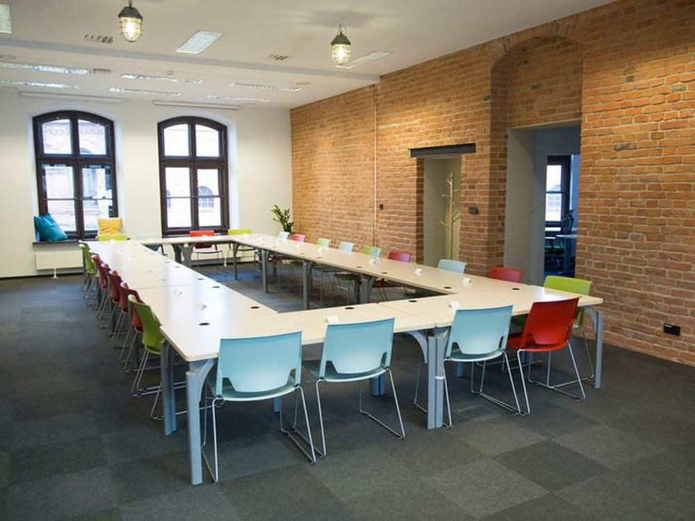 Những toà nhà kì lạ trên thế giới được Google biến thành văn phòng - Ảnh 7.
