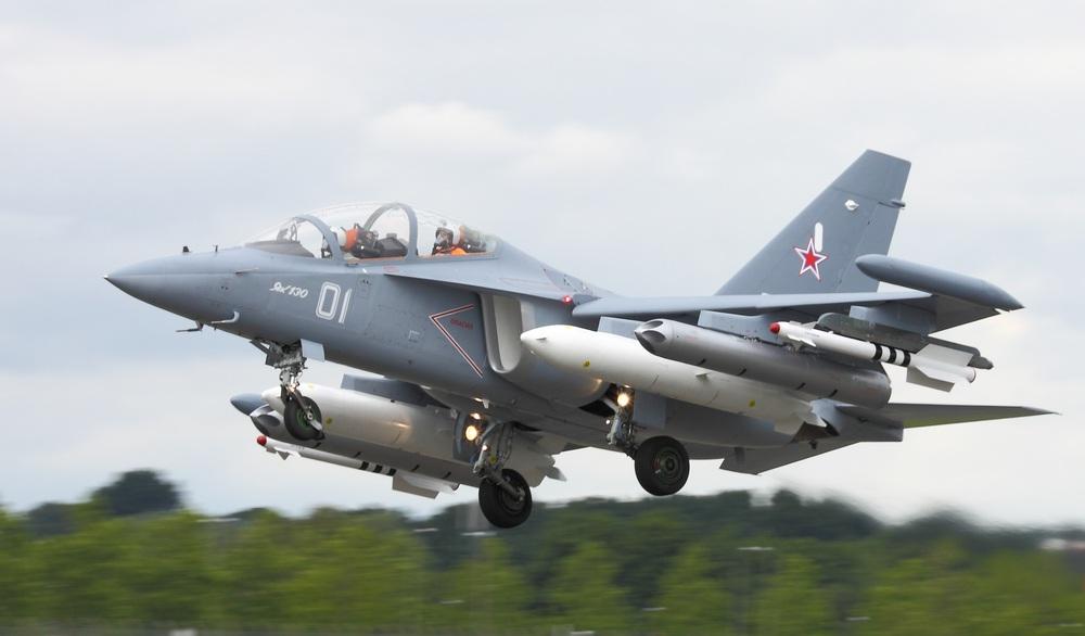 Trên cả tuyệt vời, tiêm kích Yak-130 sắp về Việt Nam: Su-35 và Su-57 đang chờ phía trước? - Ảnh 3.