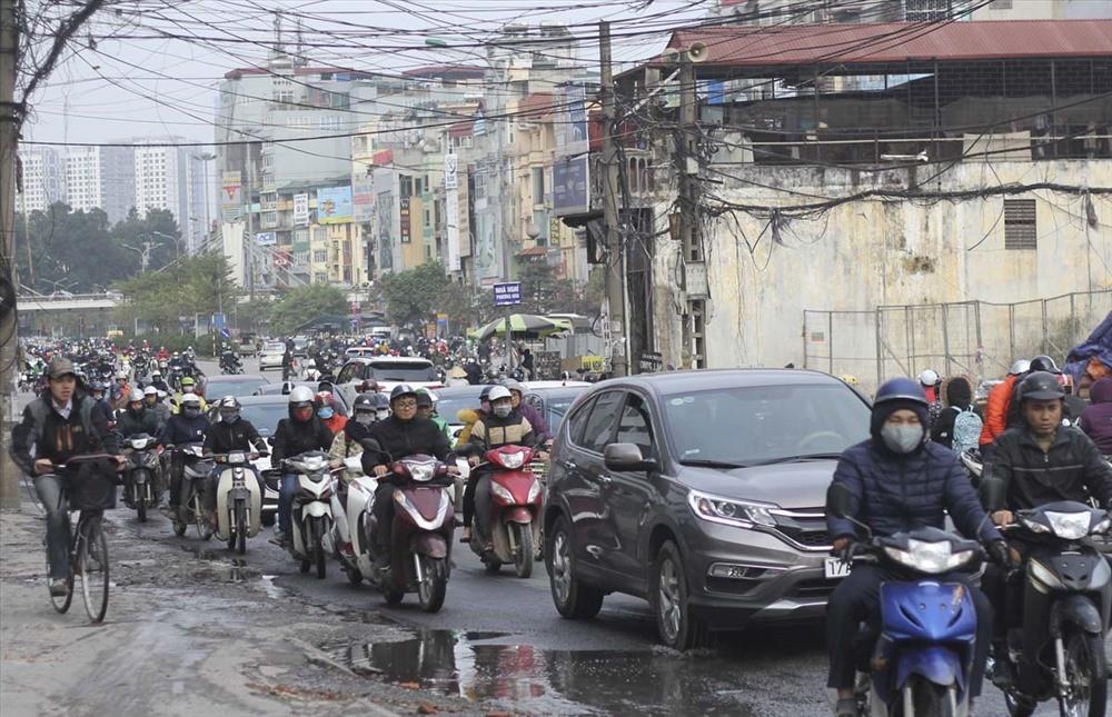 Cấm xe máy vào nội đô năm 2030: Lộ trình nào cho người đi xe máy? - Ảnh 2.