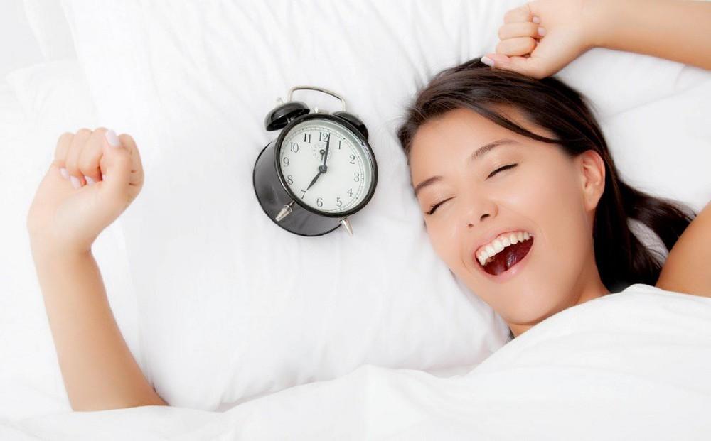 10 lợi ích hàng đầu của ngủ không áo quần - Ảnh 2.