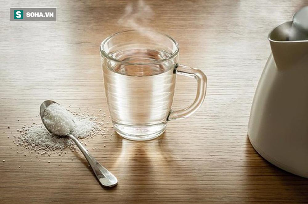 Uống nước thế nào cho đúng: Chuyên gia phân tích loại nước tốt nhất bạn nên uống hàng ngày - Ảnh 1.