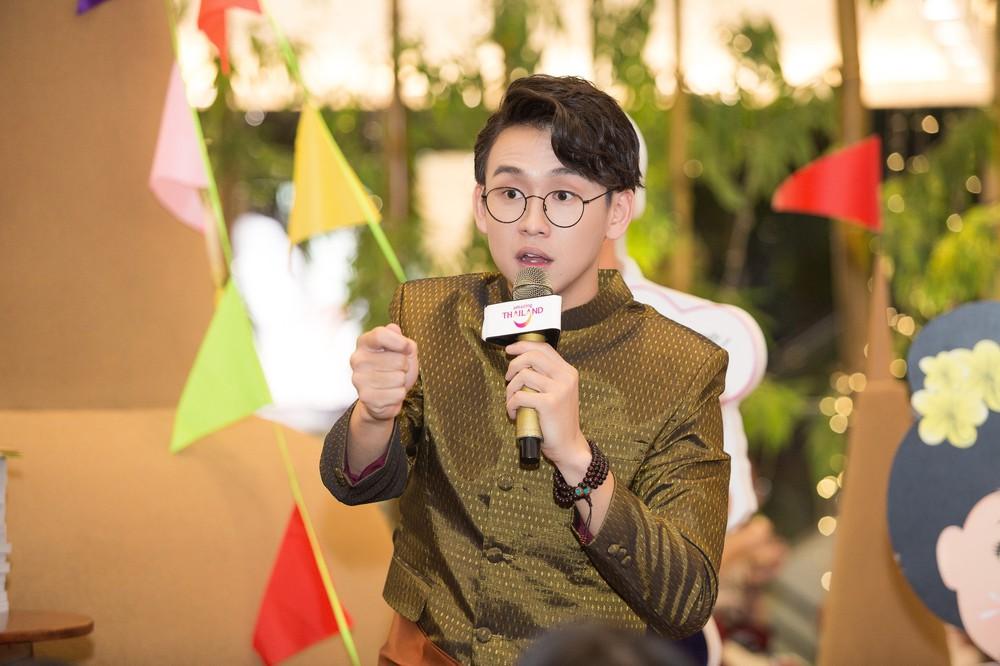 Quang Bảo thu hút sự chú ý khi diện trang phục Thái Lan - Ảnh 10.