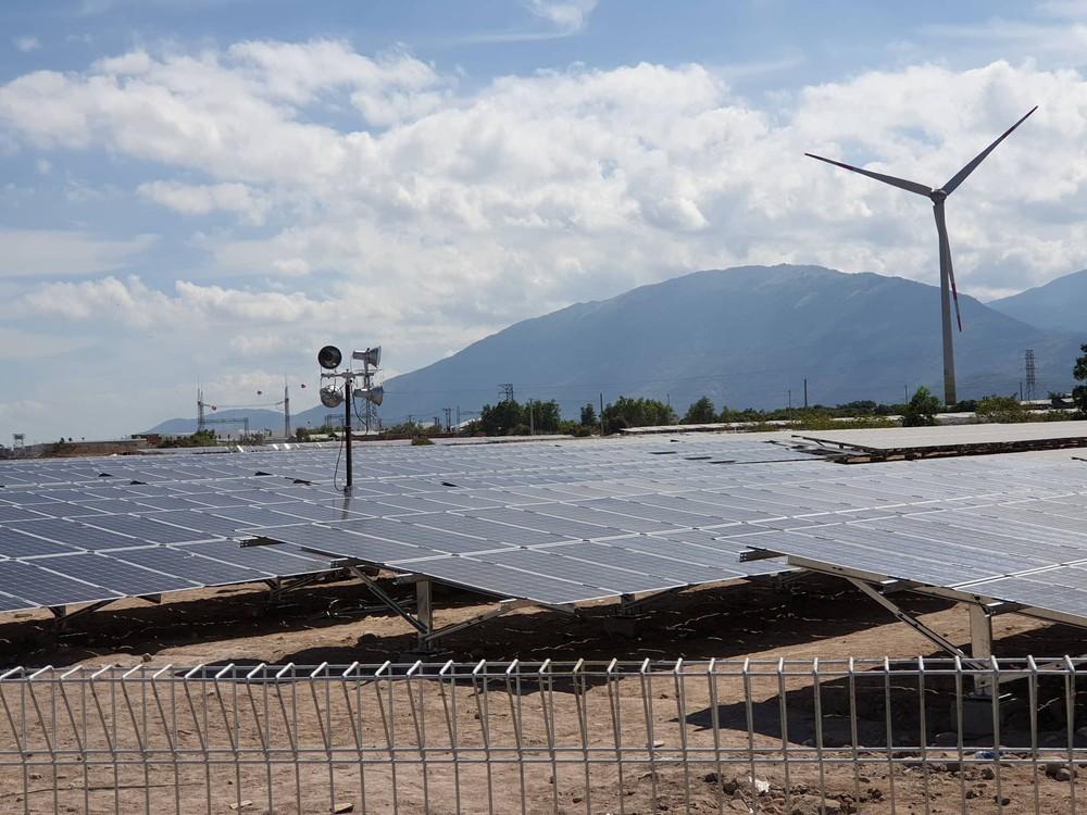 Khánh thành tổ hợp năng lượng tái tạo có vốn đầu tư 10.000 tỉ đồng - Ảnh 1.