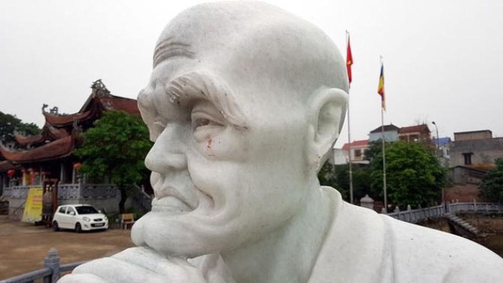 Điều tra vụ 16 pho tượng La Hán trong ngôi chùa cổ ở Hà Nội bị đập phá  - Ảnh 1.
