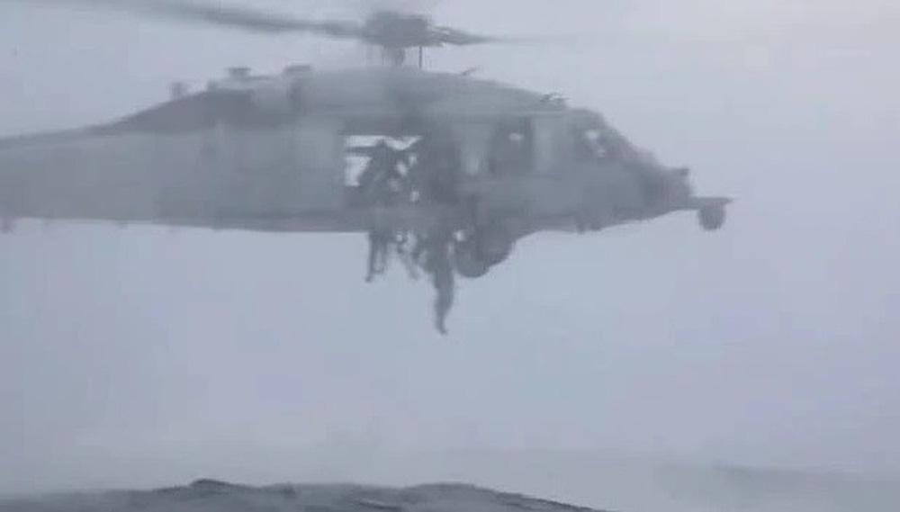 Răn đe Trung Quốc, thủy quân lục chiến Mỹ thực hành chiếm đảo - Ảnh 2.