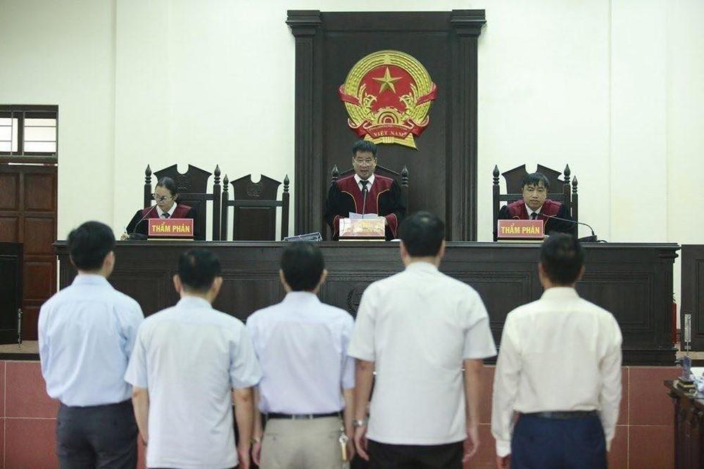 Phúc thẩm vụ án chạy thận Hoà Bình: Hoàng Công Lương nói gì về việc từ chối 9 luật sư? - Ảnh 5.