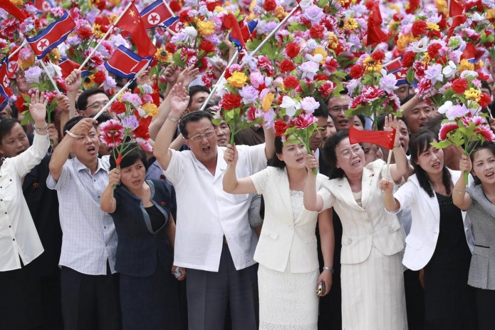 """Được 250.000 người dân Triều Tiên ra đón, Chủ tịch Tập Cận Bình cảm thấy như """"người một nhà"""" - Ảnh 3."""