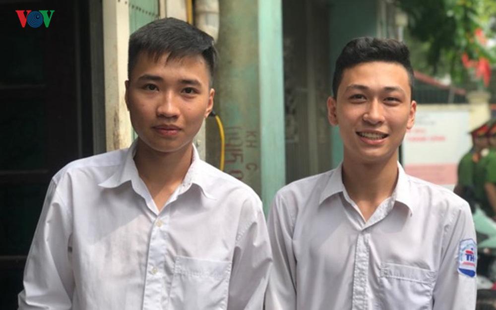 Thí sinh Hà Nội đầu tiên hoàn thành môn thi Ngữ văn kỳ thi THPT 2019 - Ảnh 1.