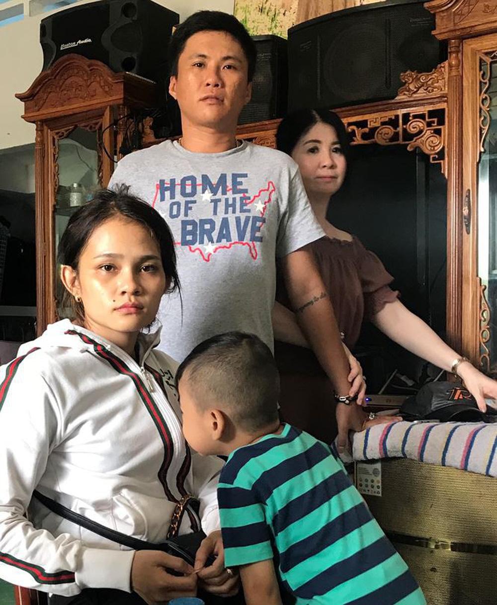 Vụ giành nuôi bé gái bị bỏ rơi ở Cà Mau: Yêu cầu giám định ADN lần 2 - Ảnh 1.