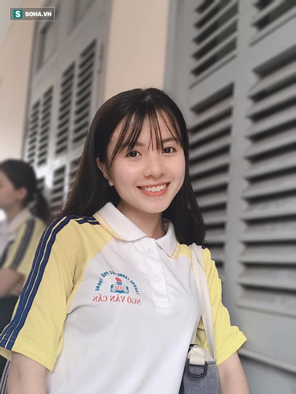 Nữ sinh 18 tuổi gây sốt trong trang phục Campuchia, nổi tiếng ở trường vì lí do đặc biệt - Ảnh 6.