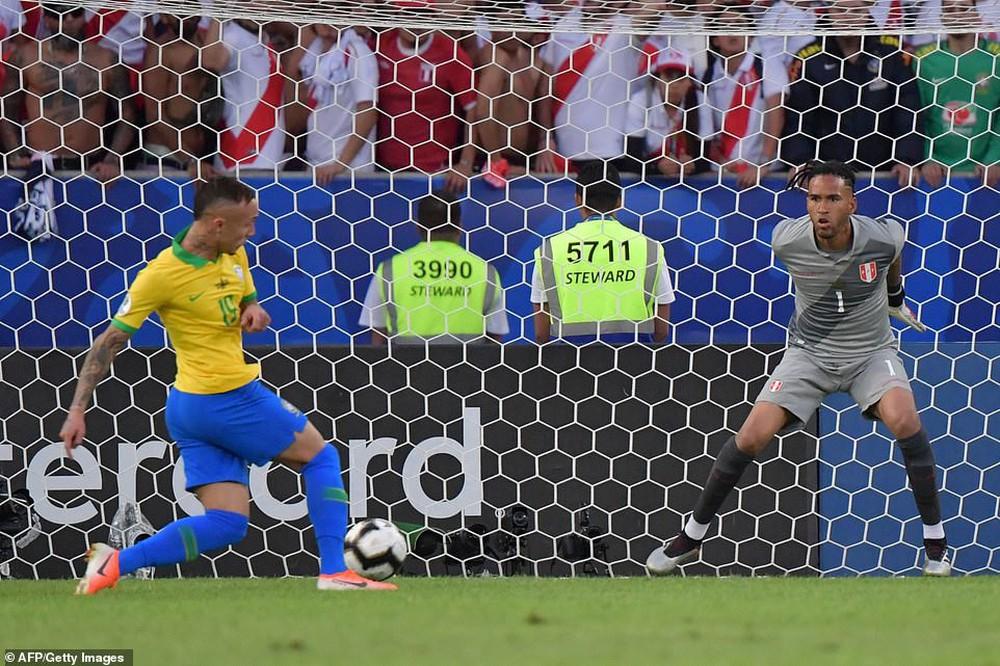 Thắng thuyết phục Peru, Brazil đăng quang ngôi vô địch Copa America sau 12 năm chờ đợi - Ảnh 1.