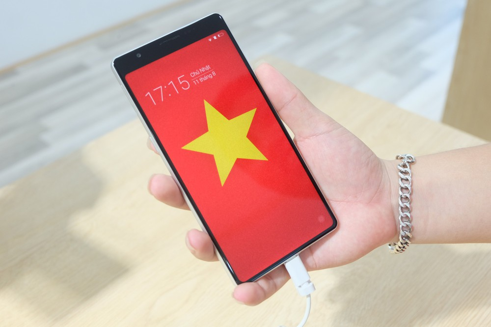 Bên trong tổ hợp dịch vụ khách hàng Bphone Store vừa ra mắt ở Hà Nội - Ảnh 7.