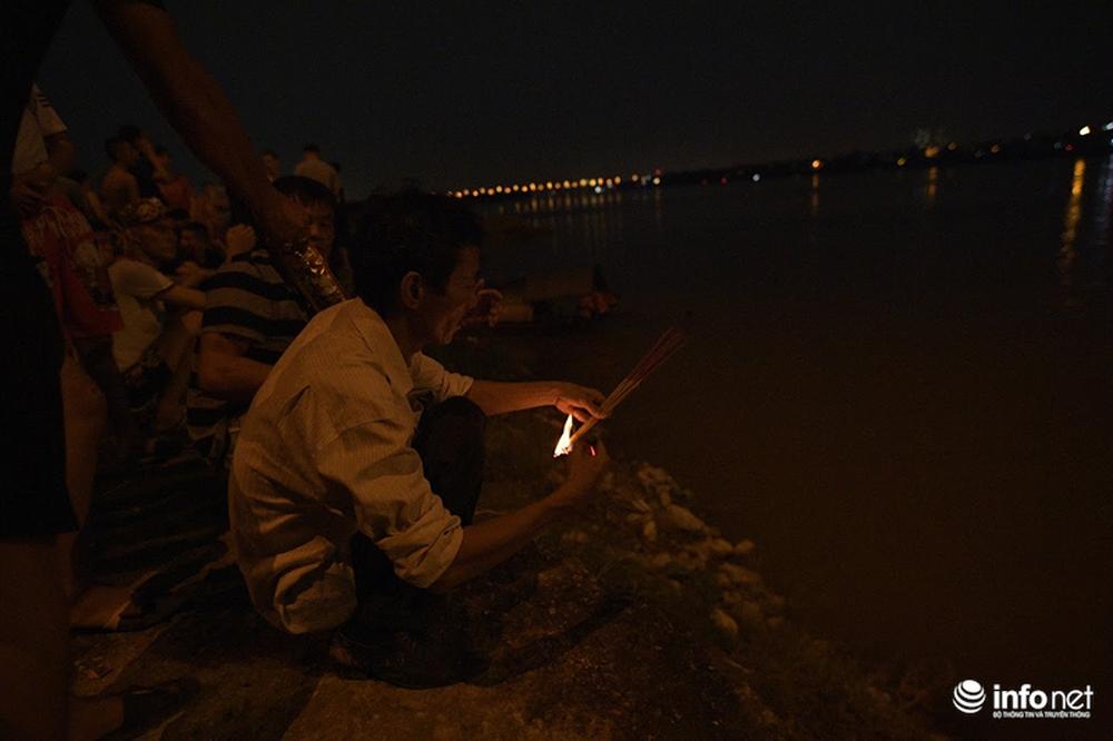 Hà Nội: Chưa tìm thấy cô gái trẻ nghi mang thai, nhảy cầu Vĩnh Tuy tự tử - Ảnh 4.