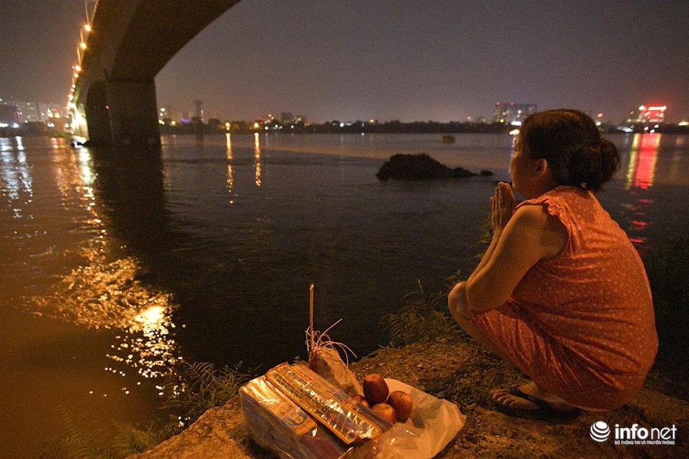 Hà Nội: Chưa tìm thấy cô gái trẻ nghi mang thai, nhảy cầu Vĩnh Tuy tự tử - Ảnh 6.