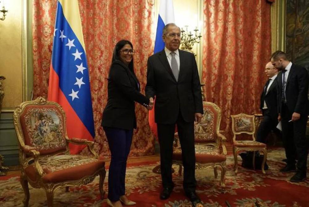 Giữa loạt tín hiệu bí mật từ Mỹ: Nga chốt hạ sức mạnh về Venezuela - Ảnh 1.