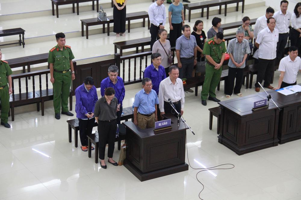 Xử vụ thất thoát nghìn tỷ tại Bảo hiểm xã hội VN: Vợ cựu Thứ trưởng Lê Bạch Hồng xin xem xét trả lại 2 BĐS - Ảnh 4.