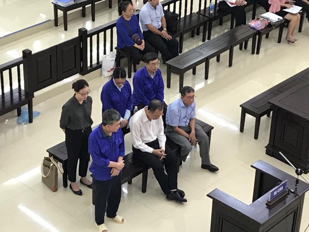 Cựu Thứ trưởng Lê Bạch Hồng bị đề nghị 8 - 9 năm tù để cải tạo trở thành công dân có ích - Ảnh 1.