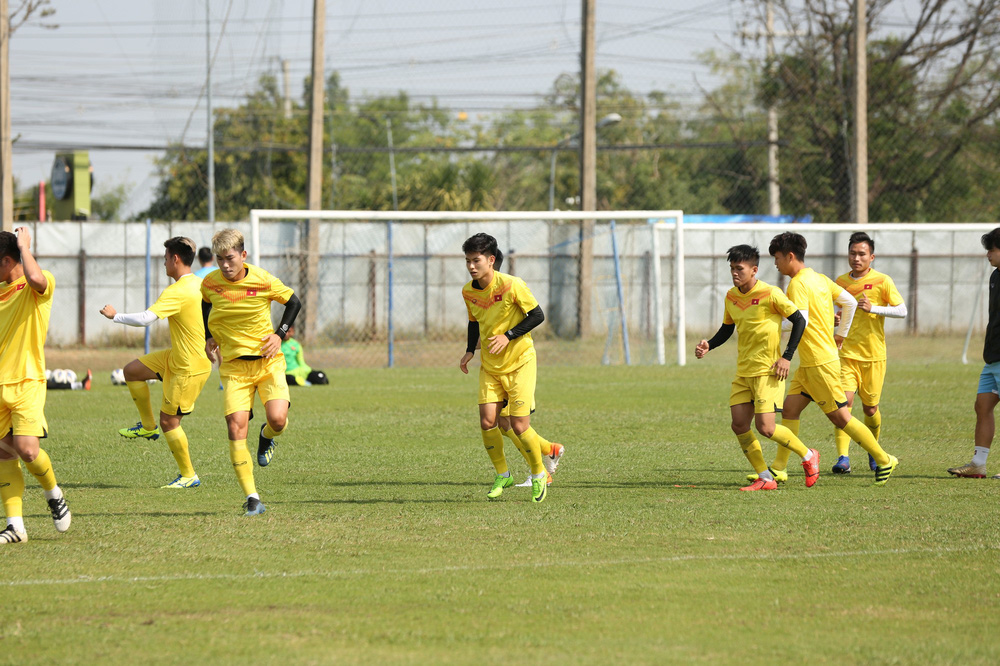 HLV Park Hang-seo trầm ngâm trong buổi tập sau trận hòa U23 UAE - Ảnh 3.