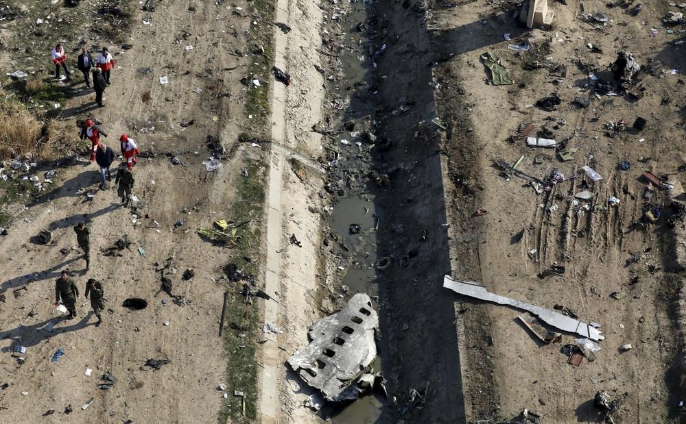 Iran bắn rơi máy bay Ukraine: Trảm hàng loạt tướng lĩnh sĩ quan cao cấp - Sai lầm không thể tha thứ - Ảnh 1.