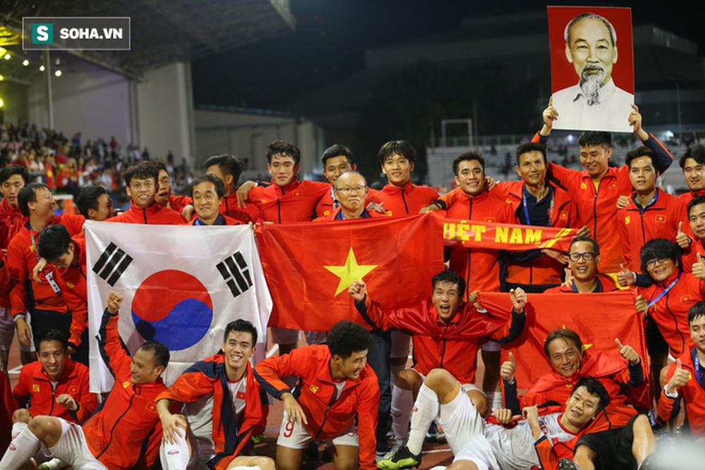 HLV Park Hang-seo gửi lời chúc ngọt ngào đến bóng đá Việt Nam trước ngày về quê ăn Tết - Ảnh 2.