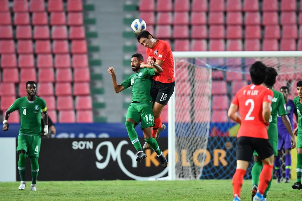 Tái hiện sai lầm của Văn Toản, U23 Hàn Quốc vô địch bằng bản sao của Văn Hậu - Ảnh 2.