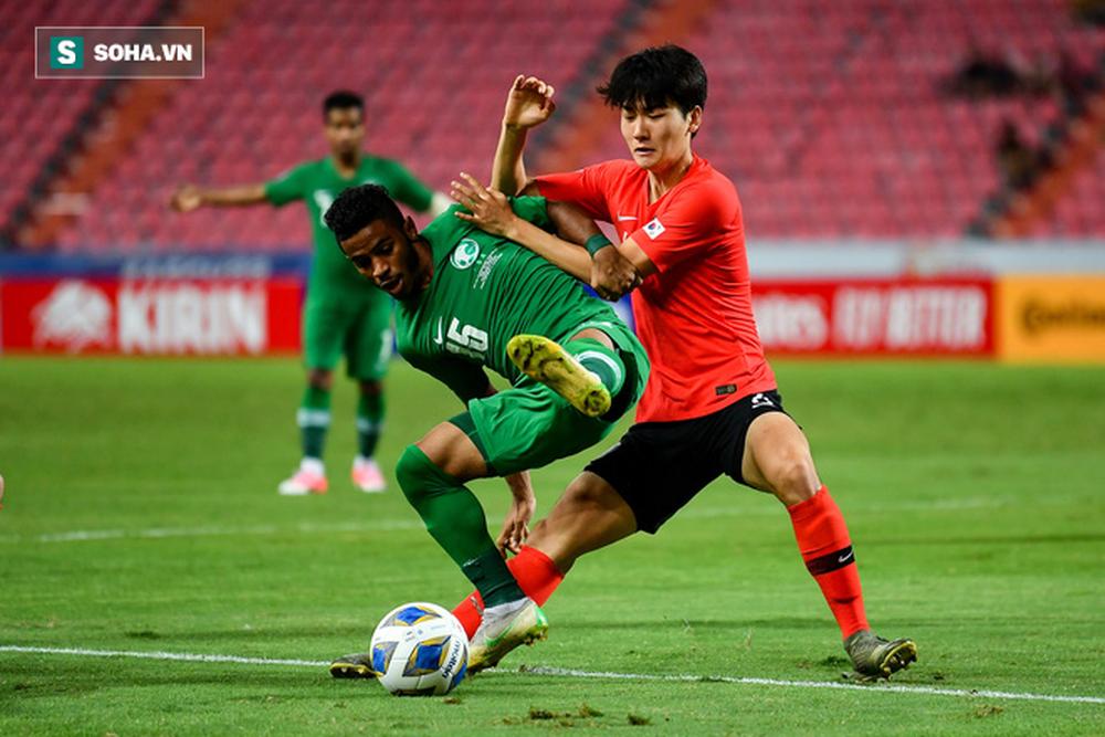 Tái hiện sai lầm của Văn Toản, U23 Hàn Quốc vô địch bằng bản sao của Văn Hậu - Ảnh 1.