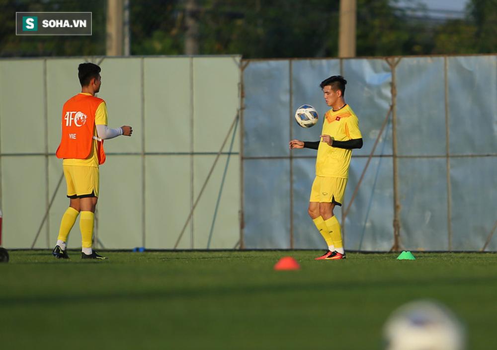 Sau ưu ái từ AFC, thầy Park nắn gân học trò, cho U23 Việt Nam rèn bài tủ chờ đấu U23 UAE - Ảnh 6.