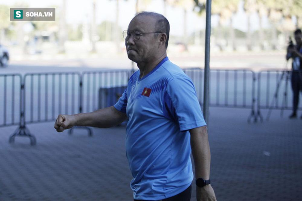 Sau ưu ái từ AFC, thầy Park nắn gân học trò, cho U23 Việt Nam rèn bài tủ chờ đấu U23 UAE - Ảnh 1.