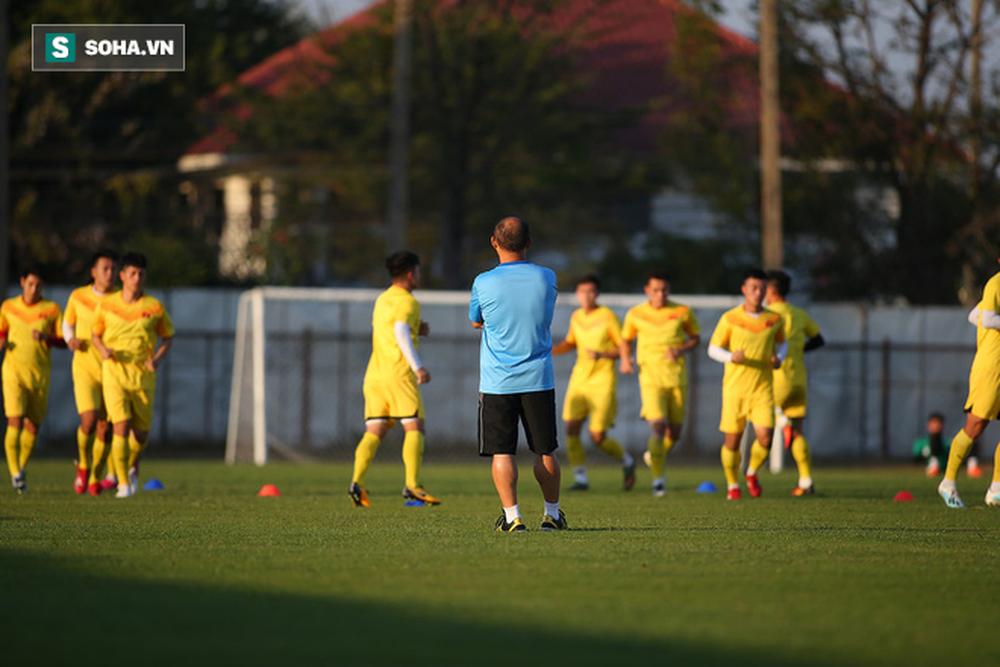 Sau ưu ái từ AFC, thầy Park nắn gân học trò, cho U23 Việt Nam rèn bài tủ chờ đấu U23 UAE - Ảnh 4.
