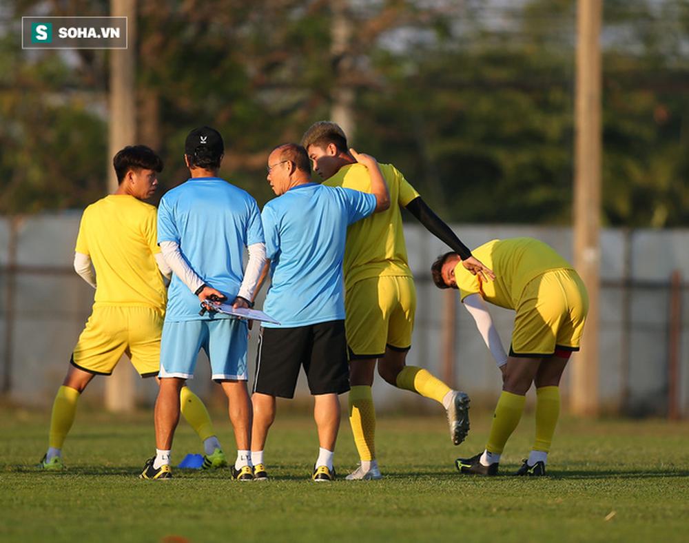 Sau ưu ái từ AFC, thầy Park nắn gân học trò, cho U23 Việt Nam rèn bài tủ chờ đấu U23 UAE - Ảnh 5.