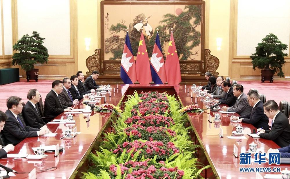 Hoạn nạn thấy chân tình: Ông Tập Cận Bình nức nở ca ngợi thủ tướng Campuchia Hun Sen - Ảnh 1.