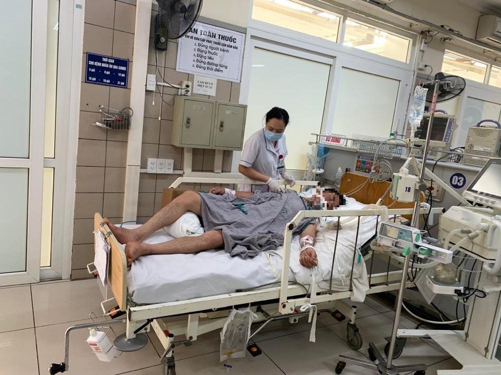 Bác sĩ khuyến cáo: Loại cồn khử trùng rất nhiều người dân đang dùng vô cùng nguy hiểm - Ảnh 2.