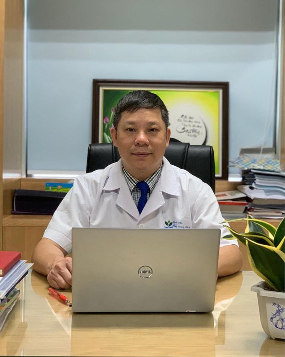 Giữa tâm dịch Covid-19 bác sĩ đưa ra 3 kịch bản cho du học sinh vùng dịch - Ảnh 3.