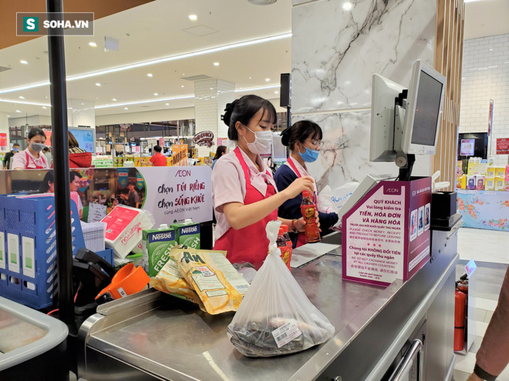 Chỉ trong 1 giờ, nhiều siêu thị ở Hà Nội bổ sung thần tốc nhu yếu phẩm cung ứng cho người dân - Ảnh 11.