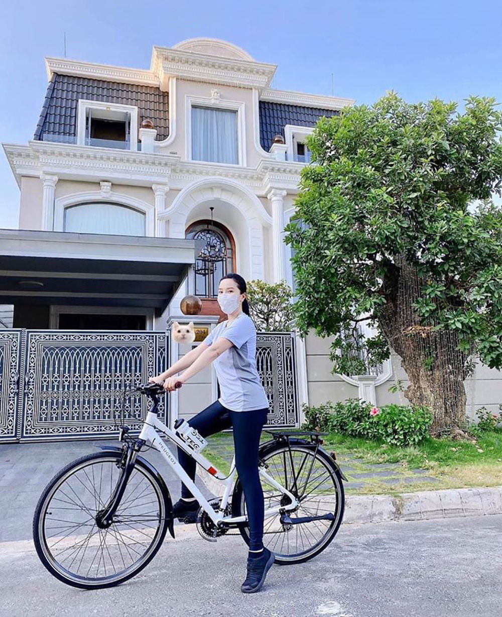 Biệt thự của chồng Bảo Thy cũng hoành tráng không kém nhà vợ - Ảnh 3.